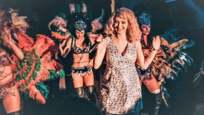 Câți bani cere Andreea Bălan pentru a cânta la balul bobocilor. Mulți liceeni și-o doresc la prima petrecere din liceu