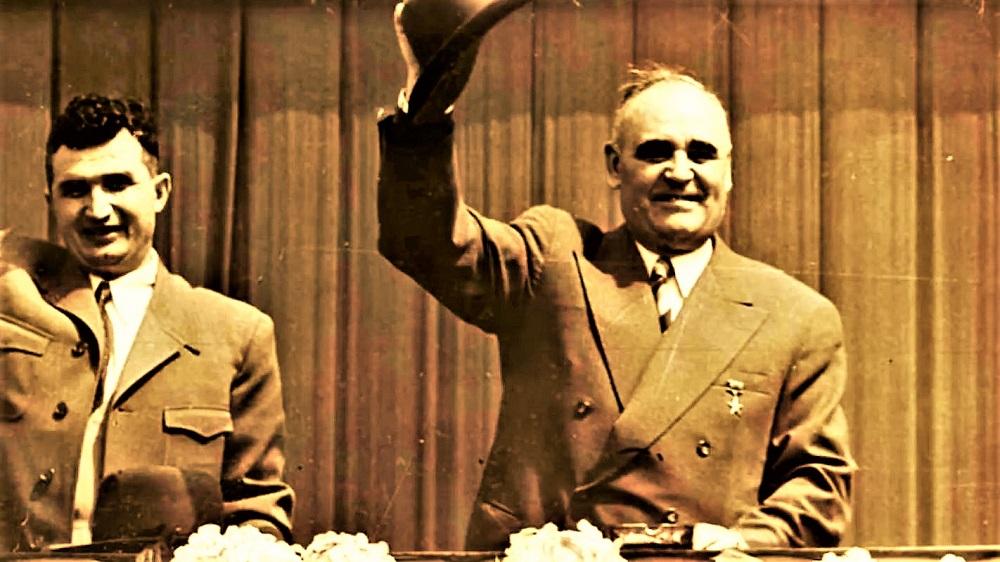 Ce făcea Nicolae Ceaușescu în timpul priveghiului pentru Gheorghe Gheorghiu-Dej. Cea mai rușinoasă mișcare de pe scena politică