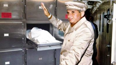 Nicolae Ceaușescu, batjocorit la morga spitalului. Ce semn i-a făcut Gelu Voican Voiculescu pe sicriu