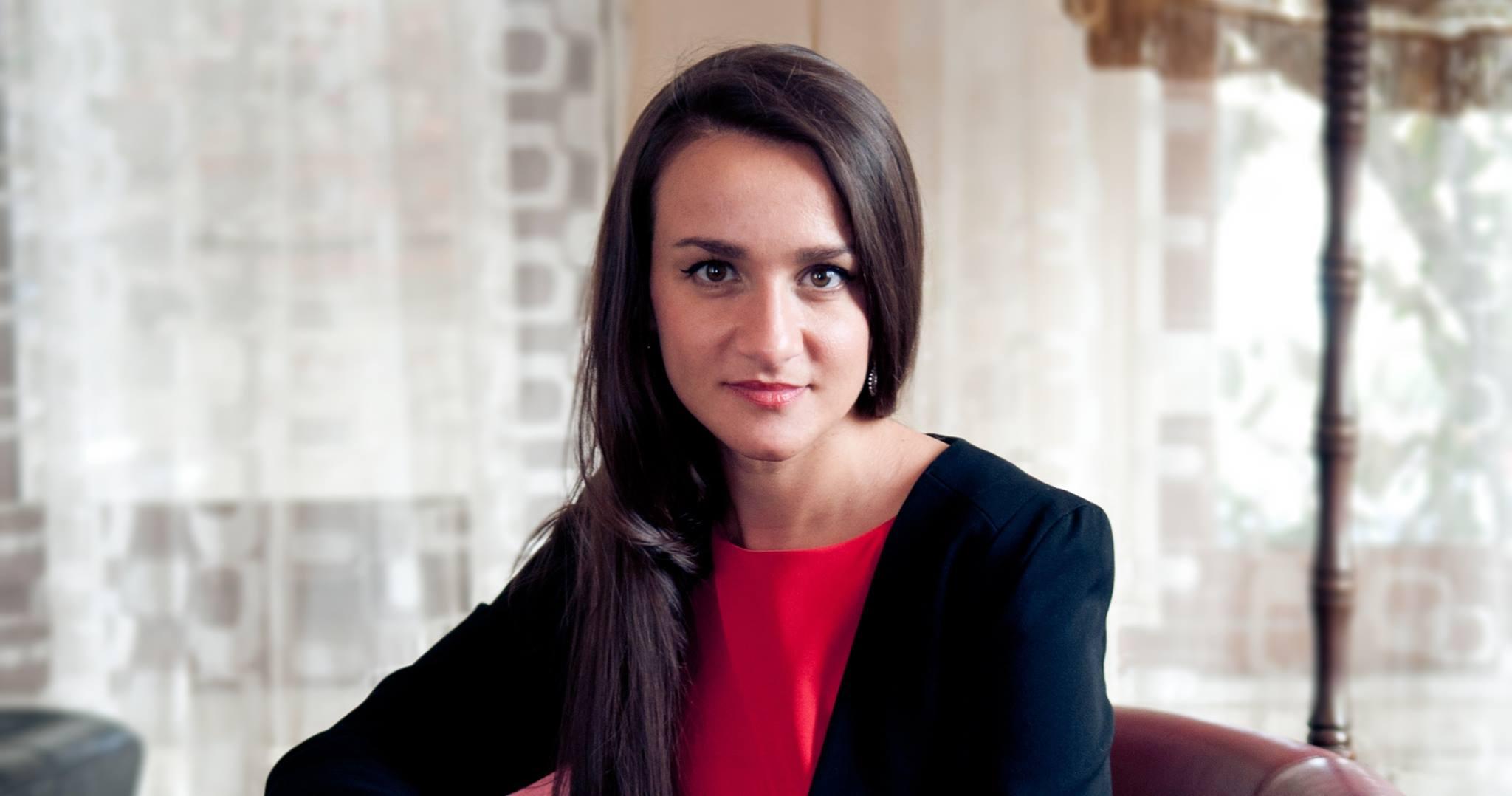 Ioana Prândurel.