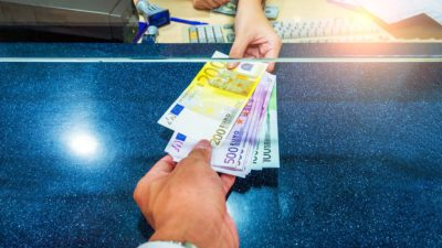 Curs valutar BNR vineri, 25 octombrie. Ce se întâmplă cu euro, în raport cu leul