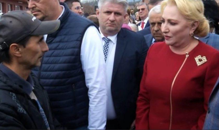 Rușinea pe care a pățit-o Viorica Dăncilă, într-o comună din județul Sălaj. Un cetățean a taxat-o dur
