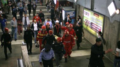 Accident la metrou 1 Mai. Un bărbat și-a prins piciorul în ușa metroului și a fost târât prin tunel câteva zeci de metri