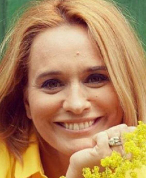 Ce operații estetice are Andreea Esca?
