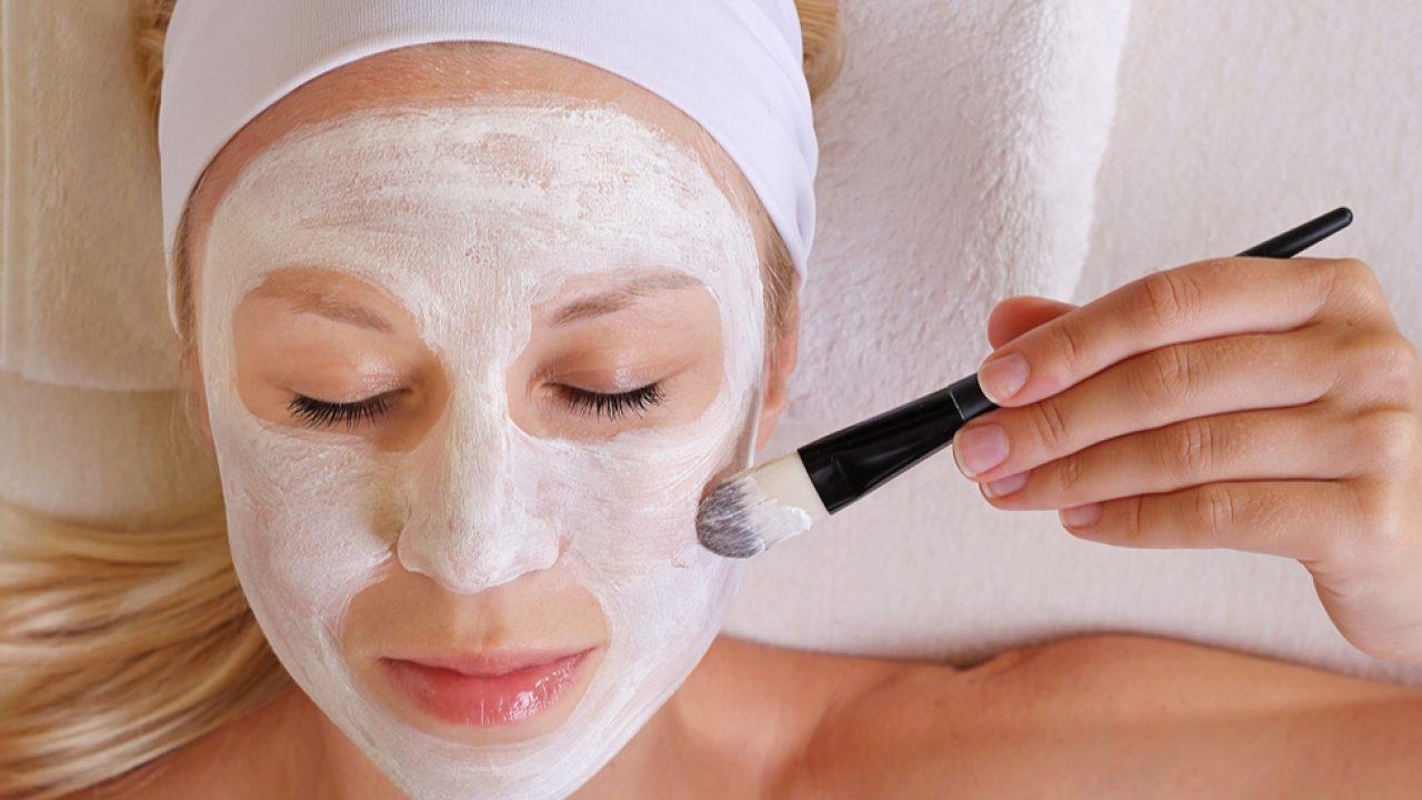 Mască de față cu bicarbonat de sodiu, care te scapă de riduri și cearcăne. Efectul este uimitor