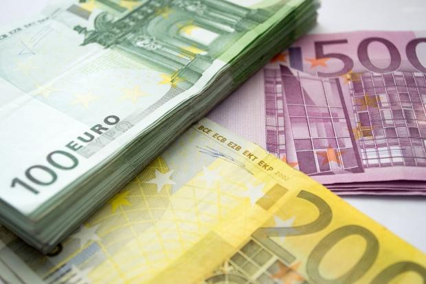 Curs valutar pentru azi, 3 octombrie, indicat de către Banca Națională a României