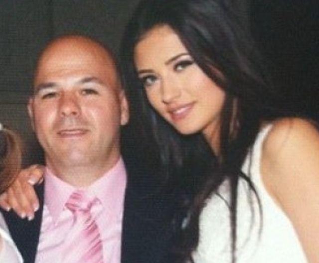 Antonia alături de tatăl ei