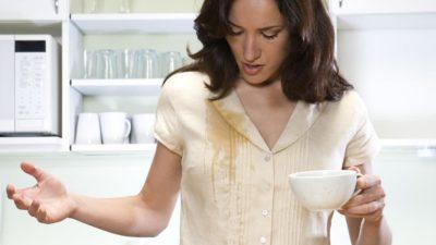 Cum poți să scapi de petele de pe haine doar cu bicarbonat de sodiu. Trucul banal pe care trebuie să-l știi