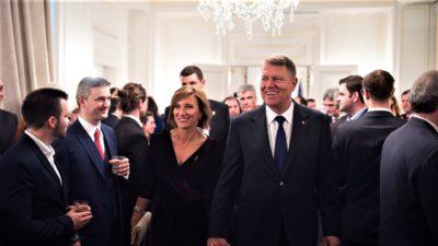 Cum s-au cunoscut Klaus Iohannis și soția sa. Sunt căsătoriți de peste 25 de ani. Ce i-a ținut împreună