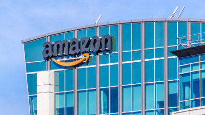 Motivul incredibil pentru care un angajat a dat Amazon în judecată