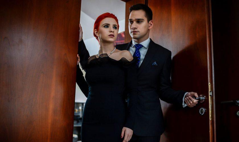 Vlad Gherman s-a pozat cu protagonista din Sacrificiul, Oana Cârmaciu. Imaginea o va face geloasă pe Cristina Ciobănașu