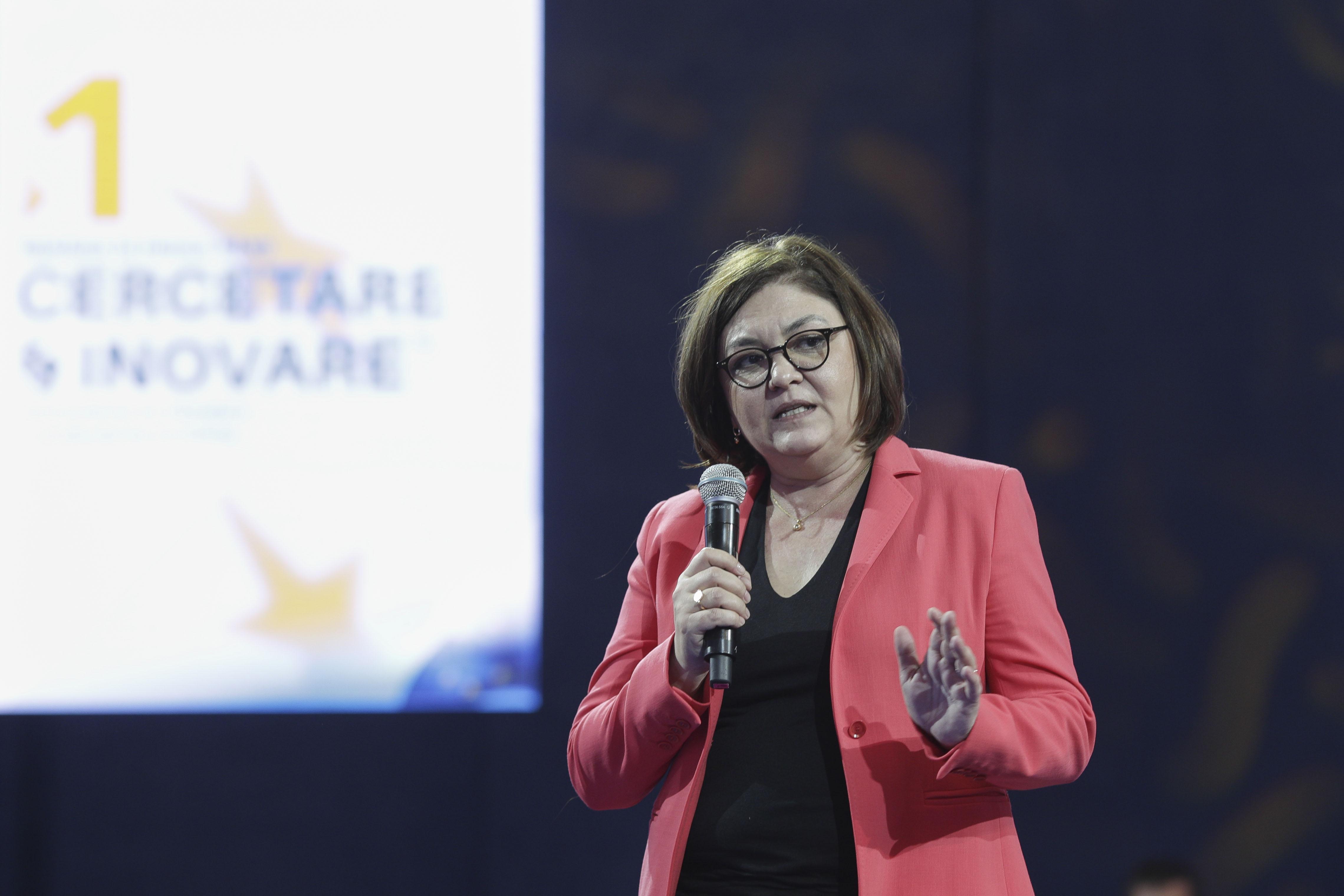 Cine este noul comisar european al României. Adina Vălean este soția lui Crin Antonescu și are o influență aparte la Bruxelles