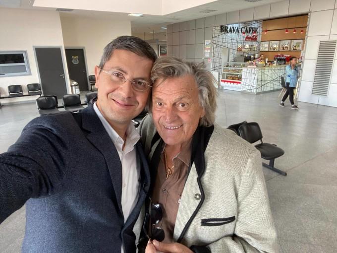 Dan Barna și Florin Piersic s-au întâlnit în aeroportul din Cluj
