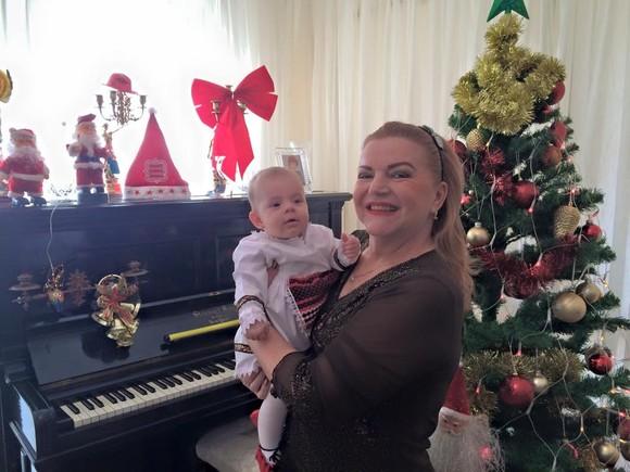 Maria Cârneci și nepoțica Jaqueline