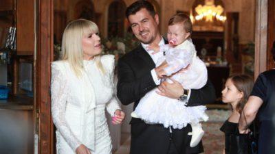 Adrian Alexandrov este topit după fetița lui și a Elenei Udrea. Cum a fost fotografiat alături de Eva Maria