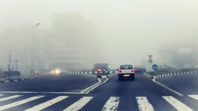 Cod rutier. Ce vor păți șoferii care circulă cu proiectoarele de ceață aprinse tot timpul. Amenzile sunt usturătoare