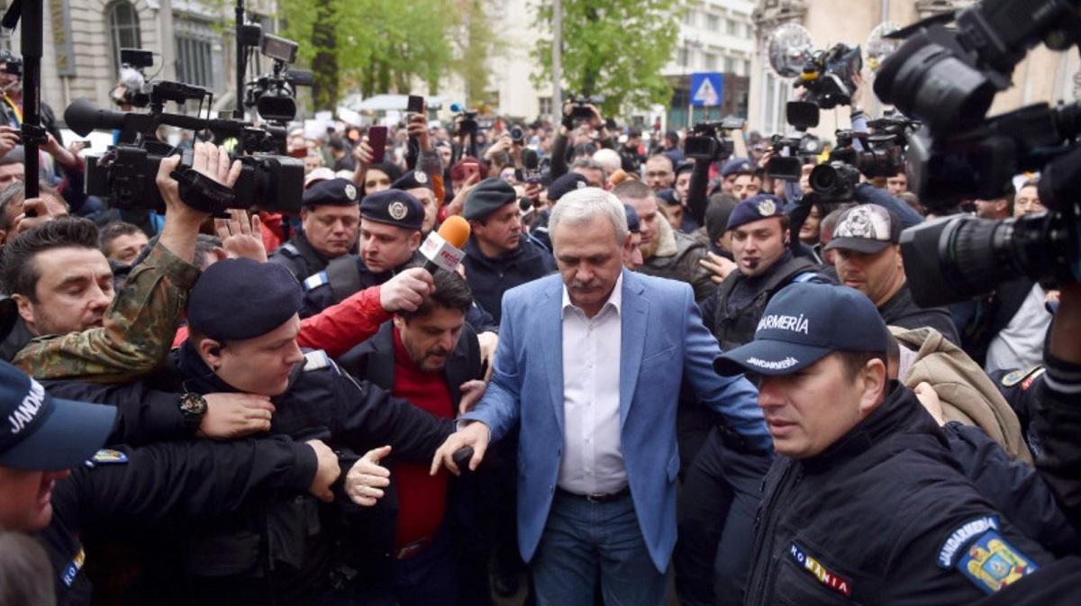 """De ce nu vorbește Liviu Dragnea cu presa. """"Nu i-a interzis nimeni. Ce să facă Să țipe"""""""
