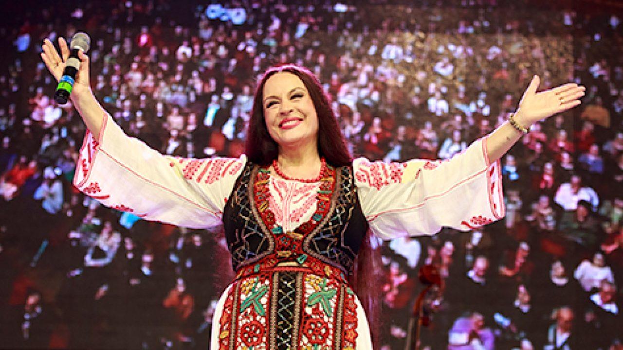 Maria Dragomiroiu câștigă bani frumoși în SUA de Sărbători. Câți bani scot românii din buzunar pentru bilete