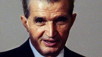 Șocant ce a făcut tânărul din imagine zilele trecute, la mormântul lui Nicolae Ceaușescu. Mii de reacții