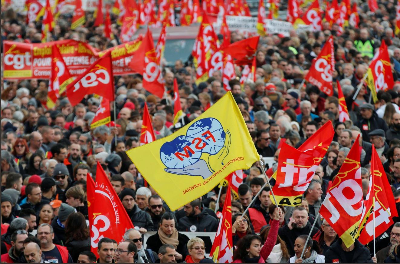 Confruntări dure între protestatari și autorități în Franța! Ce măsuri au luat forțele de ordine
