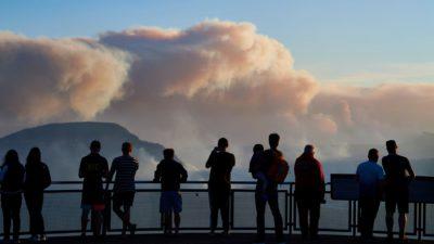 Fenomene total neobișnuite în Australia, după incendiile devastatoare. Cum s-a transformat ziua în noapte