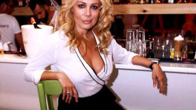 Cum a ajuns să arate Dana Săvuică la 50 de ani. Decolteul ei a atras privirile tuturor
