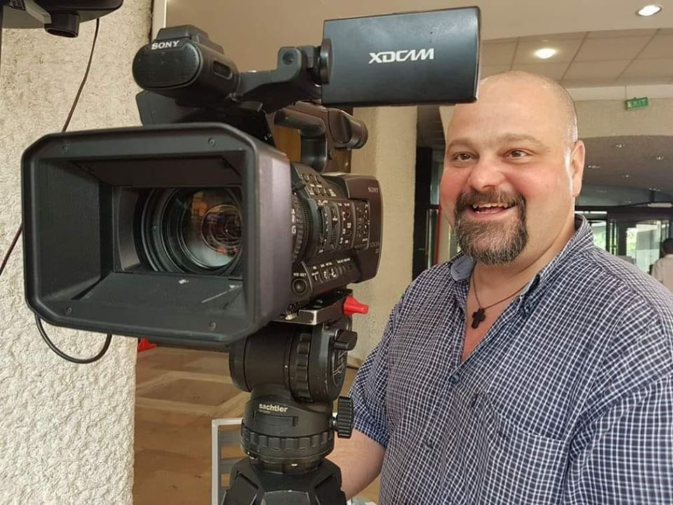 Un cameraman de la TVR a murit fulgerător. Valentin Gheorghiu a lăsat în urmă o fiică de 19 ani