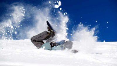Tânăr mort, la Predeal, după ce a furat cu un prieten un snowmobil. Ce se întâmplă cu celălalt adolescent