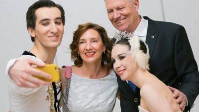Klaus Iohannis, surpriză plăcută pentru soția lui de Ziua Îndrăgostiților