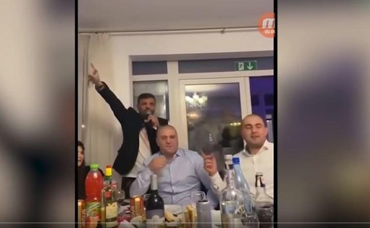 Scene șocante la Suceava! Cum au petrecut șefii din Poliție și infractorii pe manele, cot la cot