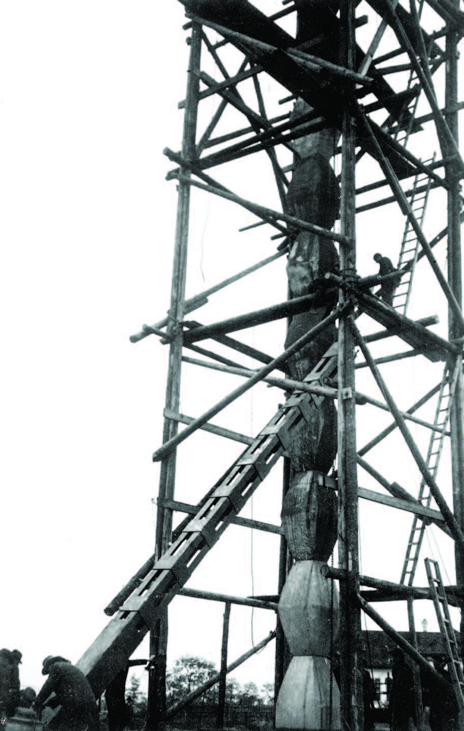 Coloana Infinitului. sursă foto: Historia.ro