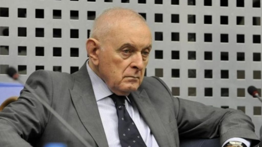 Anunț important! Ce riscă românii, care au cont bancar, dacă nu își actualizează datele personale la bancă
