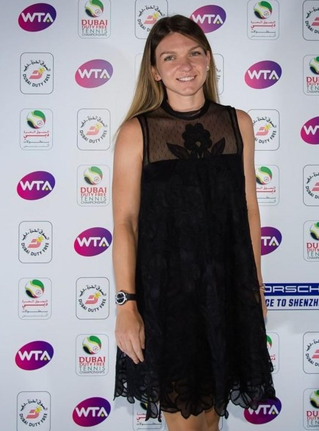 Simona Halep, apariție surpriză la petrecerea jucătoarelor de la Dubai. Fanii o văd rar îmbrăcată așa. Foto