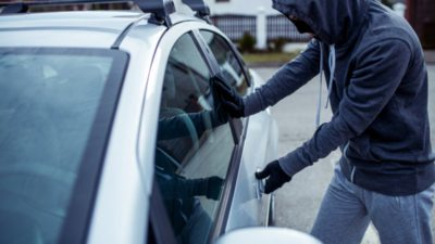Atenție, șoferi. Cum îți poate fi furată mașina chiar de sub nas. Mulți au picat în capcană