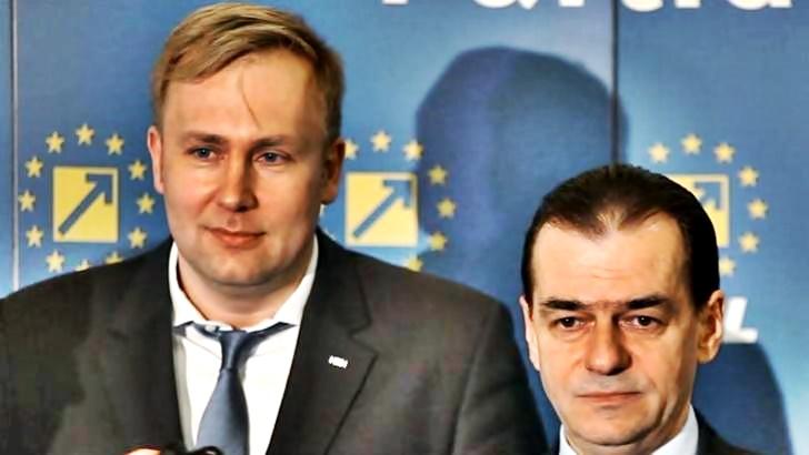 Fostul ministru al Sănătății, Victor Costache, alături de premierul Ludovic Orban