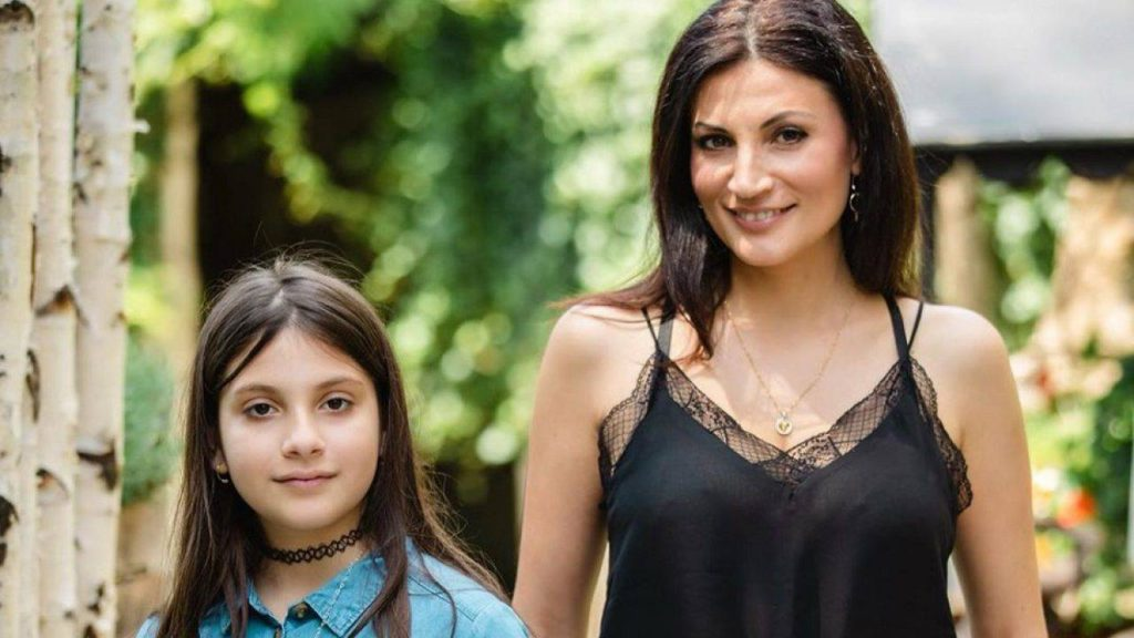 Ioana și micuța Ruxandra