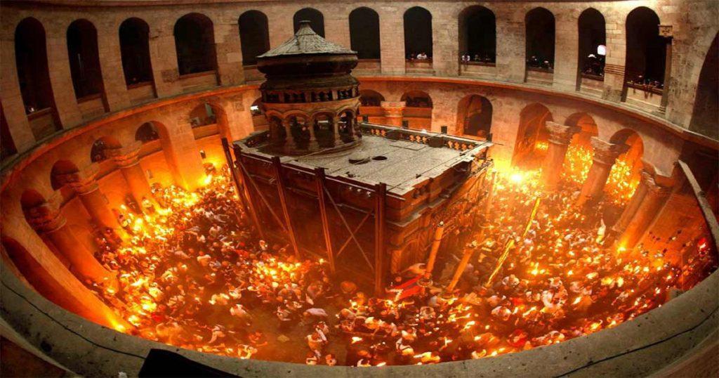 Lumina Sfântă nu va fi adusă anul acesta de la Ierusalim