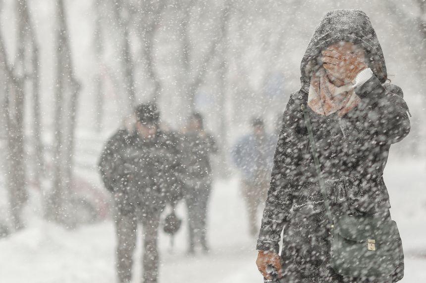 Alertă meteo pentru weekend. Unde vor reveni ninsorile?