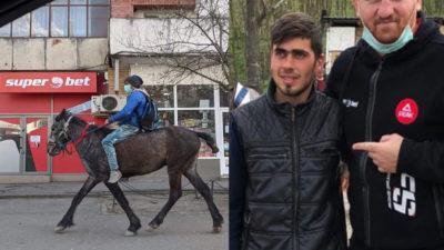 Un exemplu pentru toată lumea! Tânărul din Iași care s-a dus călare să-și vadă soția și bebelușul a donat din ajutoarele primite