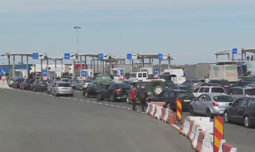 Scandal la Nădlac și Cenad: sute de mașini blocate în vamă cu români nervoși. Nu înțeleg carantina