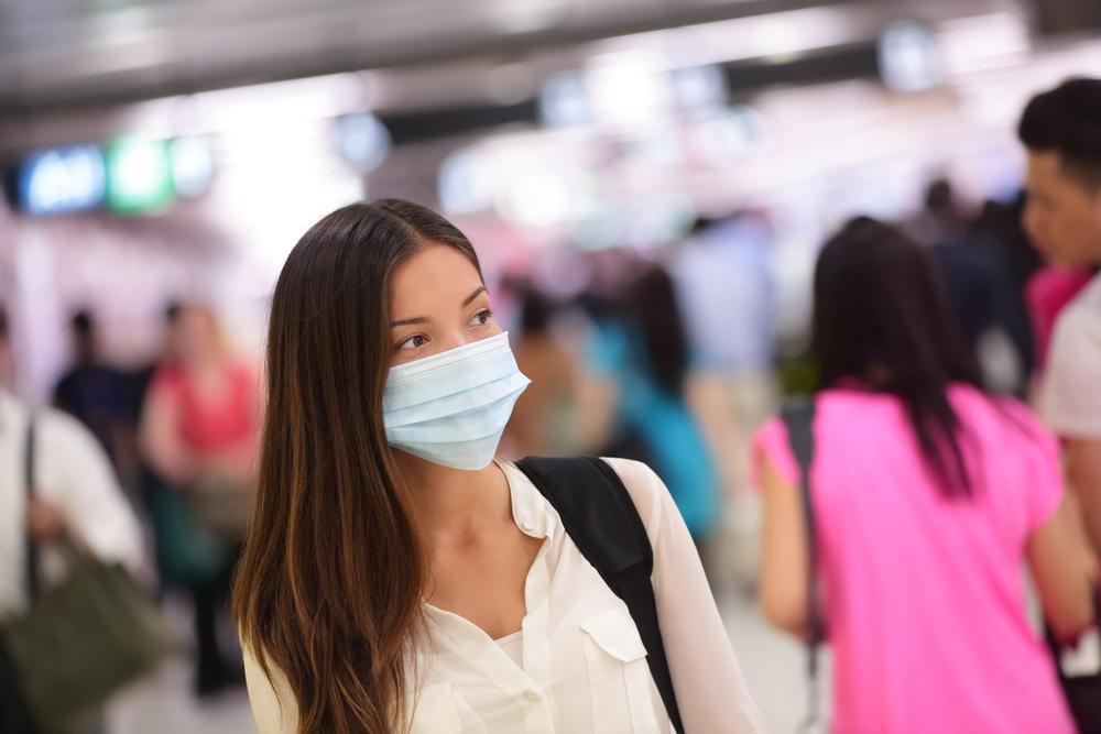 Cercetătorii chinezi recomandă utilizarea măştilor de protecţie