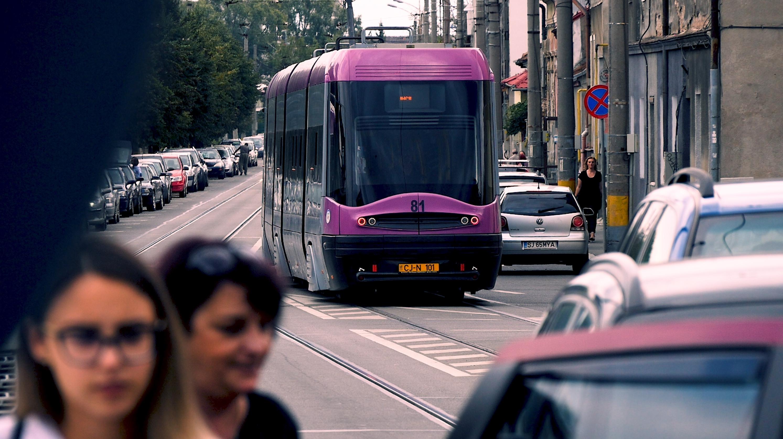 Cod rutier 2020. Care sunt mașinile care ar putea merge nestingherite pe linia de tramvai
