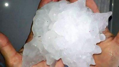 Prăpăd din cer! Imaginile de coșmar care i-au șocat pe meteorologi. Bucăți de grindină de zeci de centimetri