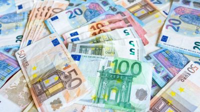 Curs valutar BNR pentru joi, 16 aprilie. Cât este Euro la casele de schimb?