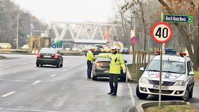 Minoră de 17 ani, prinsă la volan, în Suceava. Polițiștilor nu le-a venit să creadă cine era în dreapta
