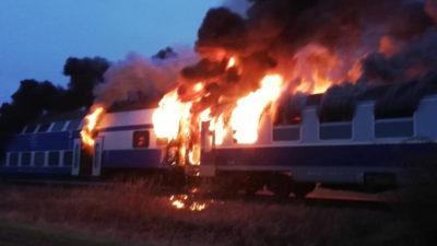 Ultima oră! Tren mistuit de flăcări în Brașov! Un călător a ars de viu din cauza neglijenței angajaților