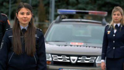 VIDEO viral cu polițiștii din Republica Moldova. Cum îi îndeamnă pe oameni să stea în casă