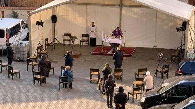 """Când se vor deschide, de fapt, bisericile în România. """"În prima fază se vor ține slujbe în aer liber"""""""