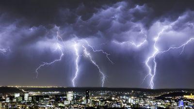 Cod galben de furtuni și vânt în aproape întreaga țară. Cât va dura vremea rea