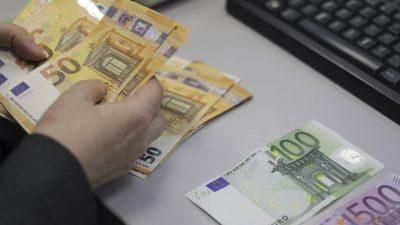 Românii susțin că s-au îmbogățit în ultimele două luni. Sondajul surpriză la finalul stării de urgență